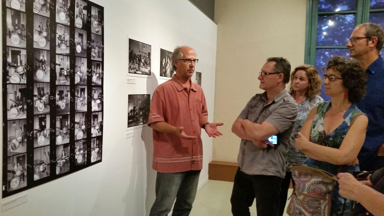 Visita guiada a l'exposició Antoni Capella, fotògraf de societat 1955-1980 a càrrec de Rafel Torrella. 17/06/2015