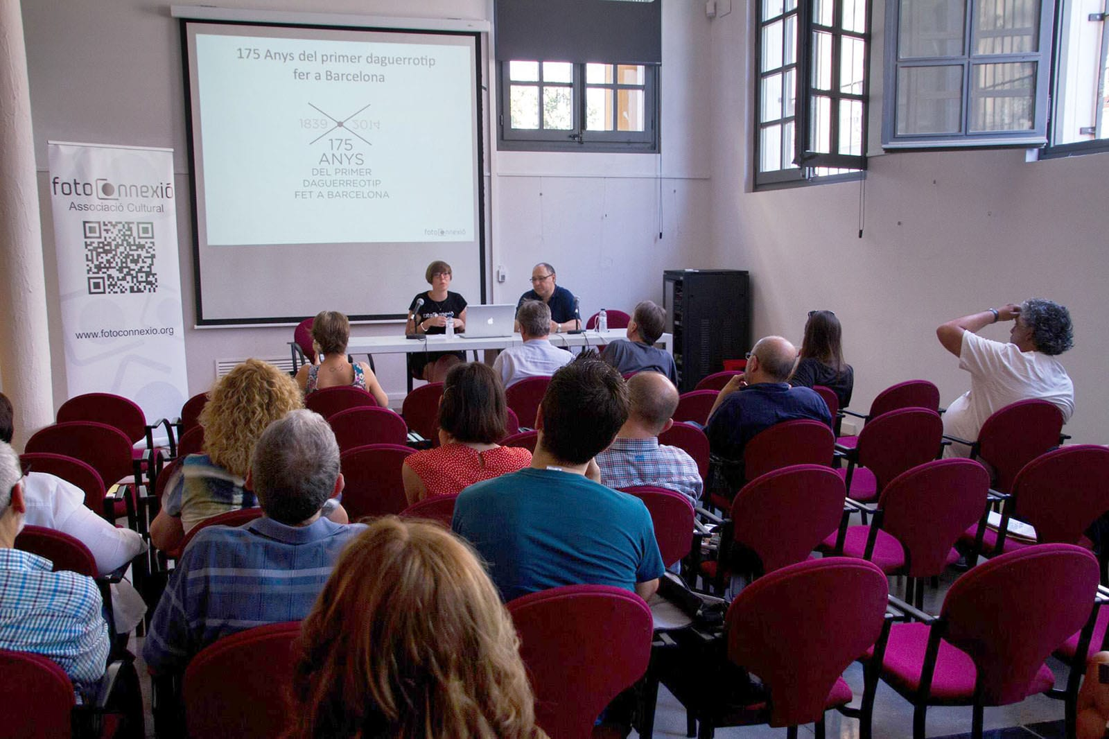 Presentació de l'associació a càrrec de Christina Guldager i Ricard Marco a Revela-t 2015. 20/06/2015