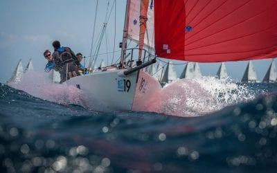 """Fototertúlia: """"Fotografiar lo que no se ve"""". Particularidades de la fotografía náutica deportiva y de recreo. A càrrec de Diego Yriarte."""