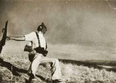 """""""Història de la cèlebre fotografia: la mort d'un milicià realitzada per Robert Capa"""", a càrrec de l'Ernest Alòs"""