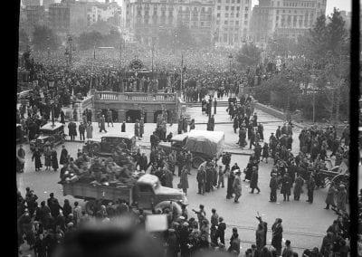 """""""Entrada de les tropes franquistes a Barcelona fotografiada per Rossend Torras"""" a càrrec de Francesc Sans"""