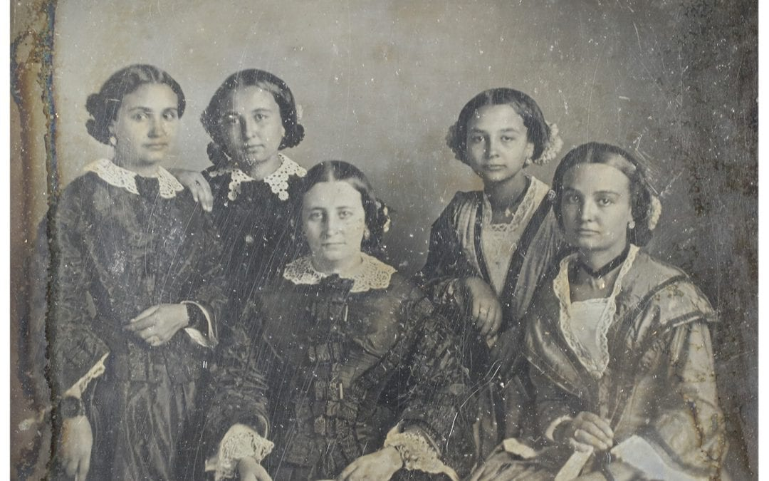 Fotoinstant Celebració del 181è aniversari de la primera fotografia feta a Barcelona, a càrrec de Jordi Baron